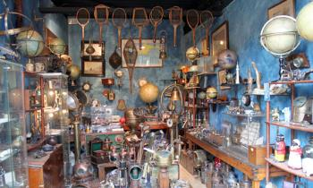 Five most famous antique markets